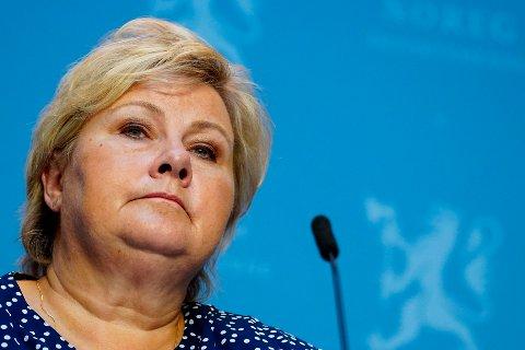 Statsminister Erna Solberg (H) holdt pressekonferanse om koronasituasjonen i Marmorhallen i Oslo onsdag. Hun ba folk gjenfinne dugnadsånden.