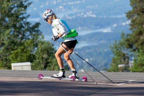 Therese Johaug har trent for hardt i sommer og trenger en lettere periode for å samle overskudd. Hun er blant en rekke profiler som mangler på startstrek i Toppidrettsveka. Foto: Terje Pedersen / NTB scanpix
