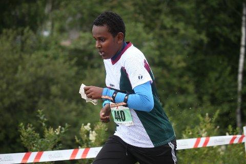 STORTRIVES: Kidus Abiy Girma trives i o-miljøet både med å løpe, men ikke minst sosialt.