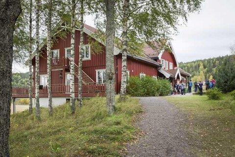 ERSTATNING: Det ble krevd over to millioner i erstatning etter at Opaker Gård ble brukt som flyktningmottak i 2015 og første del av 2016. Retten mener imidlertid at kravet er foreldet.