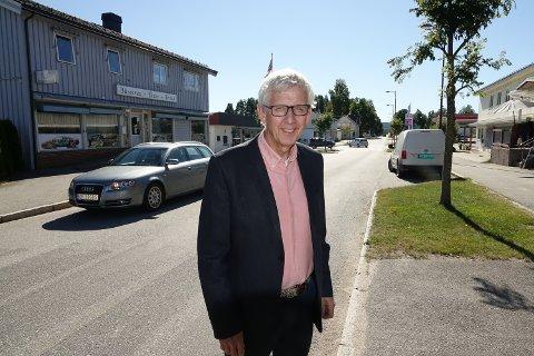 OPTIMIST: Ordfører Ola Cato Lie  har stor tro på at sentrum vil utvikle seg videre med flere nye tilbud..