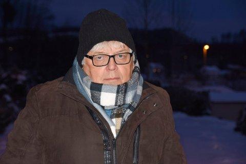 ADVARER: Ottar Korsnes ber helsetoppene om å se mot Mjøsbrua igjen.
