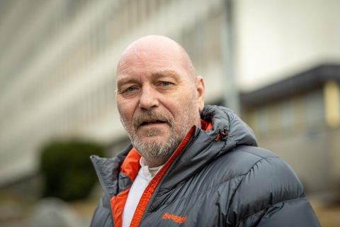 Trond Muggerud ble smittet med korona på jobb i fengselet.
