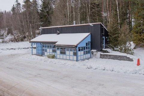 SPESIELT BYGG SELGES: Tollstasjonsbygget ved Linna ble bygd og tatt i bruk i 1986. Nå er det til salgs.