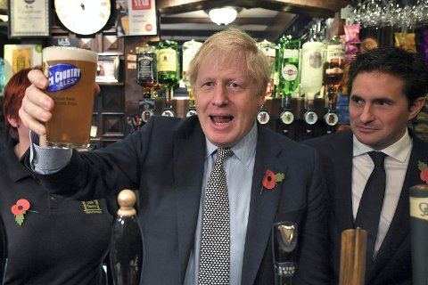 Boris Johnson på pub.