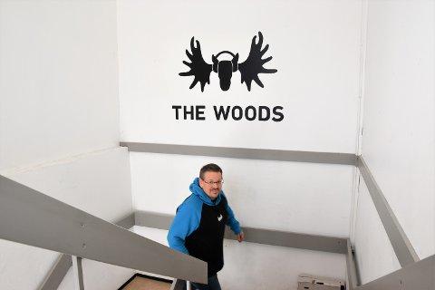MYE Å TAKKE RENA FOR: Carl-Henrik Wahl, daglig leder for produksjonsselskapet The Woods, tror det lille og  tette miljøet på Rena har vært positivt for Music Business-studiene.