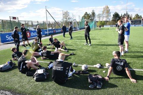ÅRETS KAMP: Lørdag spiller Elverum Fotball klubbens viktigste kamp i 2021, både sportslig og økonomisk.