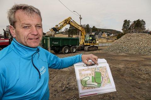 I GANG: – Vi  skal ikke stresse med prosjektet, men håper at det kan være fullført i løpet av høsten, sier leder i skigruppa på Kjellmyra, Ola Håkonsen.