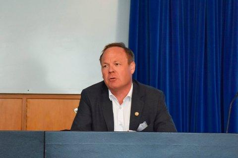 STOR MULIGHET: Rådmann Jørn Strand så på det som en stor mulighet å ha Sigbjørn Johnsen på oppdrag for Ringsaker kommune og regionen på vegne av fylkesmannen.