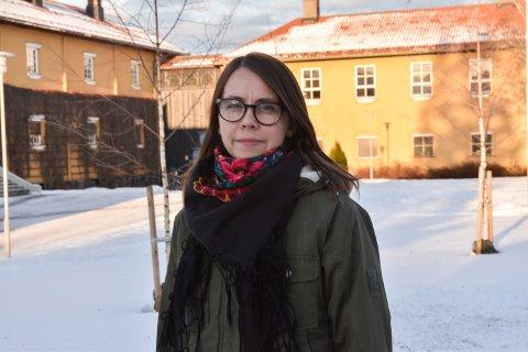 PROBLEMATISK: Gunhild Grindjordet, leder i Utdanningsforbundet Elverum, mener den lave bemanningen på utdanningskontoret i Elverum er problematisk.