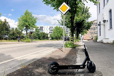 TIL ELVERUM: Snart blir det utleie av elsparkesykler også i Elverum. Her fra Vangsvegen i Hamar.