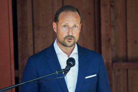 MINNEMARKERING: Kronprins Haakon holdt tale under minnemarkeringen på Utøya ti år etter terrorangrepet 22. juli 2011.