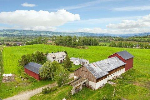 SOLGT: Eiendommen er på hele 1567000 m². Seter og fiskebu inkludert.