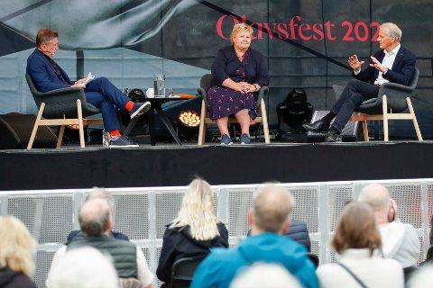 DEBATT: Statsminister Erna Solberg (H) og Ap-leder Jonas Gahr Støre møttes fredag ettermiddag til debatt i Trondheim i forbindelse med at de begge er på valgkampturné i Trøndelag.