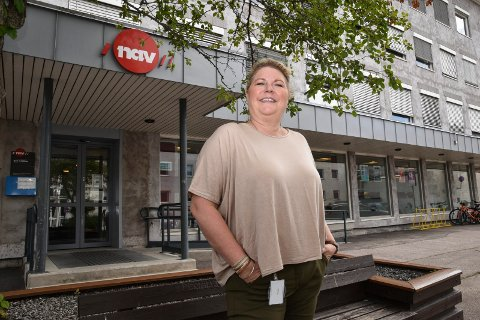 FORAN AMUNDSENGÅRDEN: Nav-leder Kersti Grindalen i Elverum.