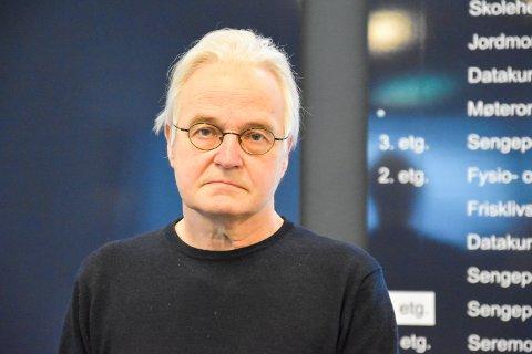 SKAL PÅ MØTET: Kommuneoverlege Knut R. Skulberg skal på morgendagens møte om gjenåpningen av Norge. Han er positiv og tror at regjeringen vil legge fra konkrete planer for Kommune-Norge fredag formiddag.