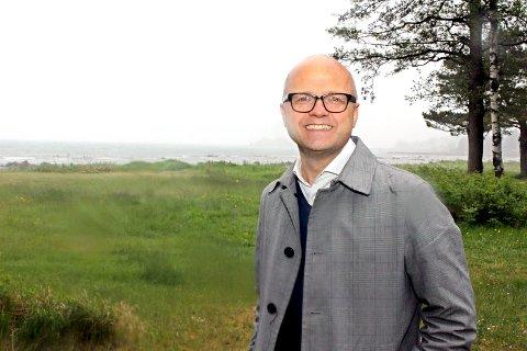 Vidar Helgesen er fra Nøtterøy. Mandag gjester miljøministeren nasjonalparken og skal blant annet høre mer om bevaringsområder for hummer, samt bevaring av kysttorken og ålegressenger.