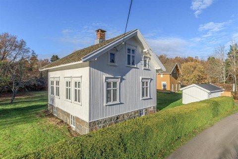 MY MÅ GJØRES: Et idyllisk sted, men mye må gjøres for å sette i stand bygningene.