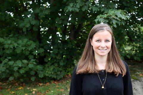 Karoline Aarvold er kommunestyrerepresentant for Høyre på Tjøme i dag, og er opptatt av å få på plass en samboergaranti for eldre på institusjon.