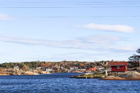 PRIKKEN OVER I'EN: Hytteområdene på Hvasser er i en særstilling i den norske skjærgården, mener eiendomsmegler Tore Solberg i Eiendomsmegler 1. Det er ikke bare den vakre naturen som gjør at han beskriver området som «Vestfolds Bygdøy».