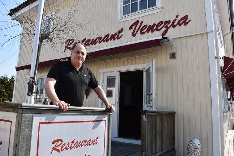 Mostapha Quibaysi har holdt et øye med Restaurant Venezia lenge. Nå eier han den.