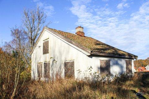 Dette huset på Torød er det sterke meninger om på begge sider. Men ingenting har skjedd på mange år.