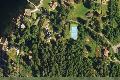 Her er eiendommen det er søkt om fradeling på nord på Tjøme. Adressen er Rødnesveien 135.