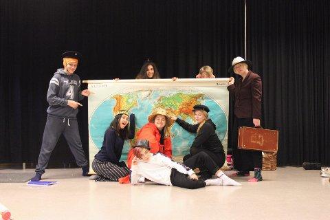 Kulturskolen setter opp en klassiker, og på scenen står denne gjengen.