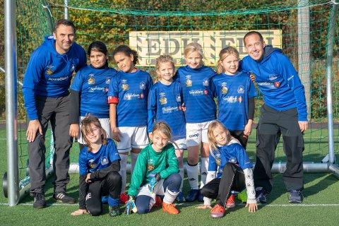 Bjørn Ove, Lemar, Pima, Petra, Johanne, Madikken, Marie, Sara, Mary og Henning Tjøme-laget.