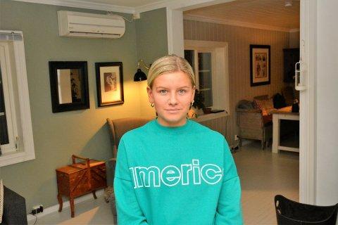 KLIKKET FEIL: Othilie Erlandsen (17) klikket på feil banan da hun skulle betale i selvbetjeningskassen på Meny. Da ble hun utestengt fra Farmandstredet i tre måneder og bedt om å skrive under på at hun forsøkte å stjele. Nå er saken blitt ryddet opp i.