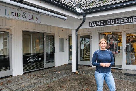 SNART FERDIG FLYTTET: Anette Haslø-Hansen håper at Grand Frisør kan åpne i sine nye lokaler før jul. I følge eieren av bygget, kan det også hende at hennes gamle lokaler ikke blir stående tomme lenge.