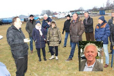 Slik så det ut på et tidligere tidspunkt da politikerne var på befaring på Rosanes i anledning hundepark-planene. Reidar Gotteberg vil gjerne ha mer kunnskap før parken tilrettelegges.
