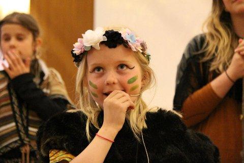 20 barn er med i gruppa som til helga er klare for å gi gratis teateropplevelser.