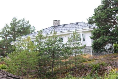 Det flotte huset i Seileråsen ble solgt for 10,75 millioner kroner. En del av summen gikk inn i legatet. Det samme gjaldt deler av beløpet fra et leilighetssalg i Oslo.