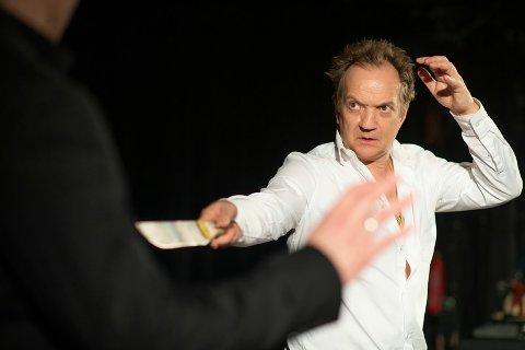 Gard B. Eidsvold har en av rollene i 2010 Lollywood, som spilles i kulturhuset torsdag.