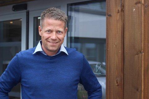 Thomas Ross Raftemo leder enheten for ulovlighetsoppfølging og tilsyn i Færder kommune. Til ham kommer det fortsatt en strøm av tips.