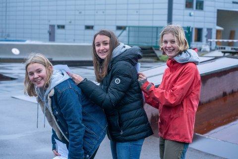 Sarah Arnesen-Silver, Alexandra Hrehova og Tale Monge Heimdal forteller om det å være ungdom, rus og koronatid.