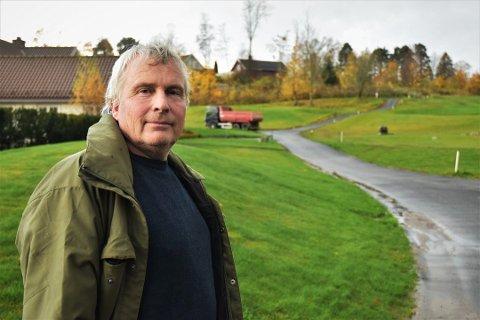 Bjørn Agnar Dahl mente kommunen ikke hadde rett til å tegne inn turstier på golfbanen på sitt nye turkart. Det er kommunen uenig i.