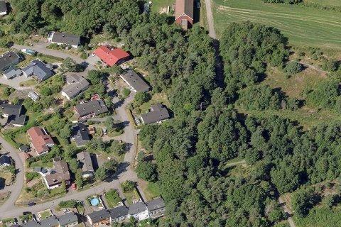 I dette området på Tjøme vil velforeningen oppgradere et par lekeplasser.