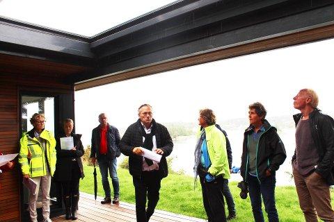 I Sevikveien 29 på Nøtterøy er det arkitekt Rune Breili som har tegnet fritidsboligen det har vært oppfølging på. Nå kan vi tro at denne saken snart strykes fra oppfølgingslista i kommunen.
