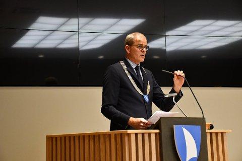 I MØTER: Ordfører Jon Sanness Andersen forteller at Færder vil vurdere tiltak i forhold til hytteeiere.
