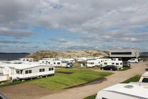 Forteltene, eller de såkalte ISO-teltene, på Mostranda camping og lovligheten av disse, er et tema flere er opptatt av.