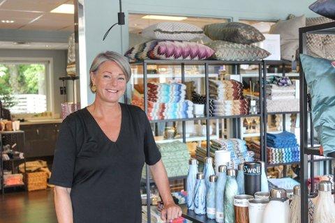 Heidi Jellum Johnsen, daglig leder av Helt Interiør, er på jakt etter en ny løsning for butikken.