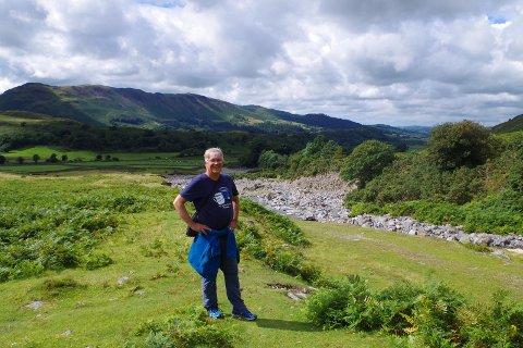 Jonathan Hall på Nøtterøy er vanligvis i Storbritannia der han er fra tre ganger i året. Dette bildet har søsteren tatt i Lakedistriktet i Cumbria i England, som er området Halls fars familie kom fra.
