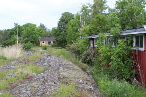 I Ødekjærveien 43 på Tjøme har det nå gått noen år siden eiendommen skiftet eier, men noen ny fritidsbolig, slik det var ønske om, lar vente på seg.