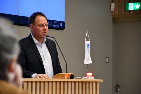 Kommuneadvokat Bjørn Vegar Norvang svarer på spørsmålene som mange har knyttet til gjeldende koronaregler.