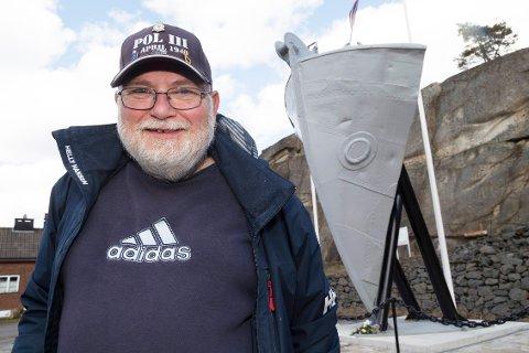 Kjell-Arne Johansen sikret at baugen til historiske Pol lll blir stående på Torås fort på Tjøme.