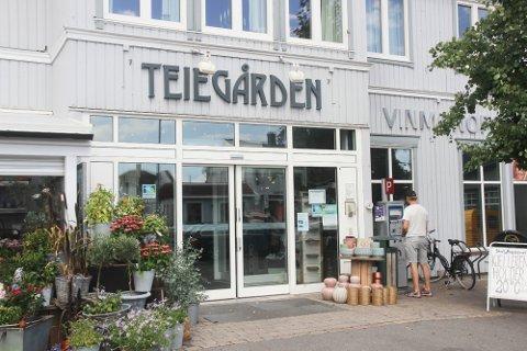 Folk reagerte da en sterkt beruset Tønsberg-mann tok turen i bil hit til Teie for å besøke Vinmonopolet.