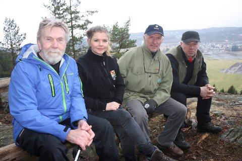 Jens Halvorsen (formann POT), Mariken Kjøhl (FNF), Jakob Kløverød (POT) og Sverre Siljan (BNp) roper varsku.