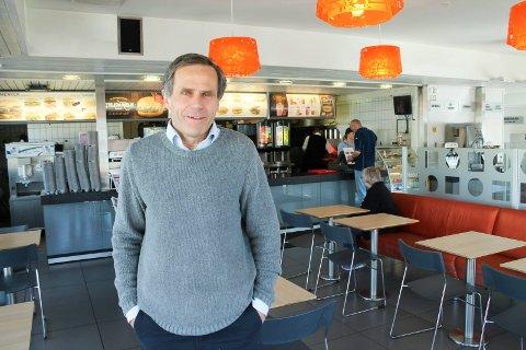 Hans Ole Bergby blir fortsatt å se ved restauranten på Vallermyrene.